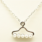 super cute pearl hanger short necklace