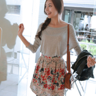 Flowery mini skirt with elastic waist band